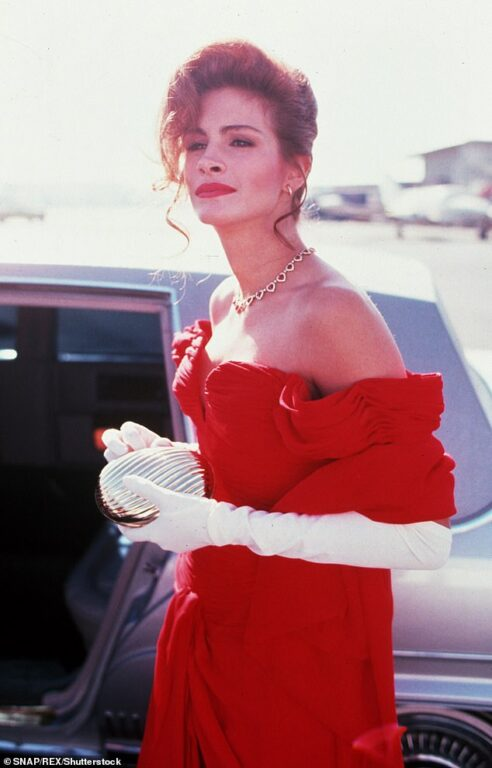 "Резултат с изображение за ""julia roberts red dress"""